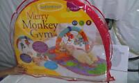 EXCELLENT AND NEW MONKEY PLAY MATT WITH  HANGING TOYS