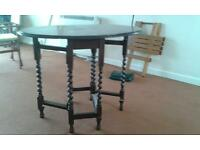 Small gateleg occasional table with barley twist legs