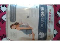 Dream Genii pregnancy pillow