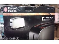 """BRAND NEW !!! Electric TOASTER """" Russell Hobbs """" COLOURS CREAM"""