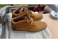 Mens timberland boots size 8 ( new )