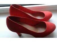 Red Heels, size 6