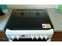 Indesit ID60G2W gas cooker like new