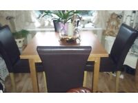 OAK TABLE & 6 CHAIRS (DEBENHAMS)