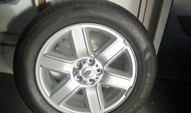"range rover ,land rover 19""alloy whees with tyres"