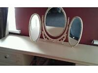 Shabby chic dressing table and mirror