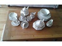 ETERNAL BEAU TEA AND DINNER SERVICE