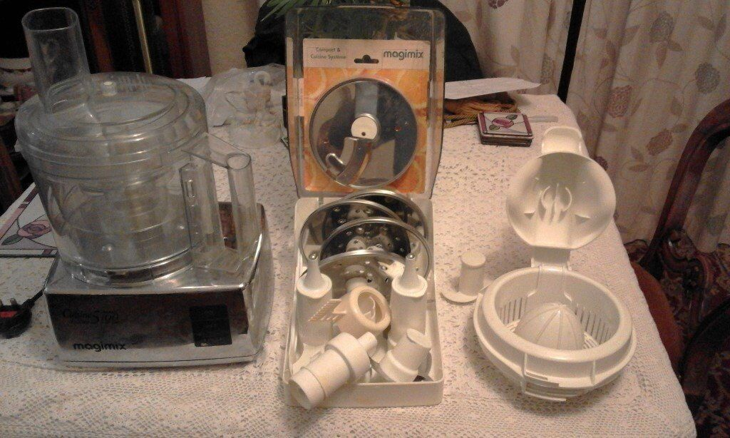 Magimix 5100 Food Processor. Little used -Good condition
