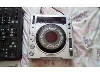 Behringer - Musical Instruments & DJ Equipment for Sale