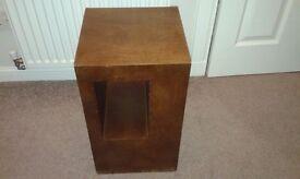 Lamp / telephone table