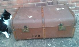 Steamer Trunk Vintage - Small