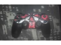 2 Identical PS4 pads