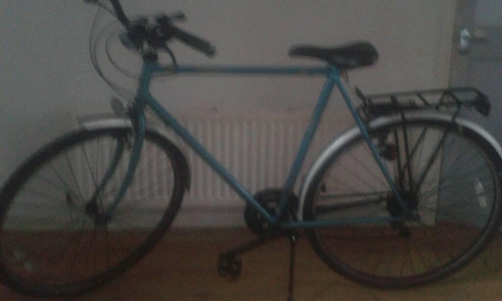 "Hybrid bike 22"" frame"