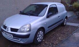 2004 Renualt Clio van 1.5 dci breaking for parts