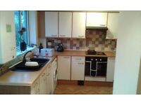 Fully refurbished 1 bed flat close to town centre.