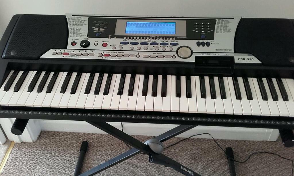 yamaha psr 550 in swansea gumtree. Black Bedroom Furniture Sets. Home Design Ideas