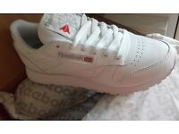 Reebok classic trainers brand new size 4adult never been out box ordered weong size cant return