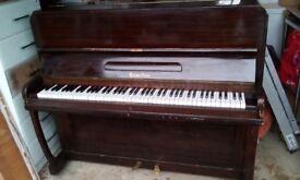 Piano by Hamilton