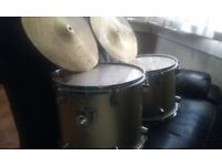 Two drums and two symbals
