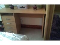 BEECH VENEER COMPUTOR DESK/DRESSING TABLE WITH 4 DRAWERS ON LIFT SIDE