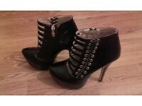 Brand new shoes size 5