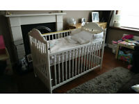 Mamas and Papas Enrica Cot and SleepSafe Matress