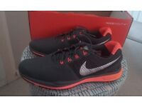 New - Size 8 Nike Golf Shoes