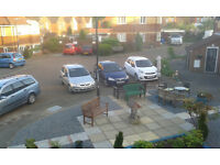 HESSLE NEAR THE SQUARE. 2 BED FLAT WITH PRIVATE ENTRANCE. SWAP, MUTUAL EXCHANGE