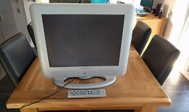 "Hitachi 20"" TV / PC monitor. Full working order. Remote & Freeview. Bargain £25"