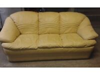 3 SEAT LEATHER SOFA. VERY NICE CLEAN CONDITION