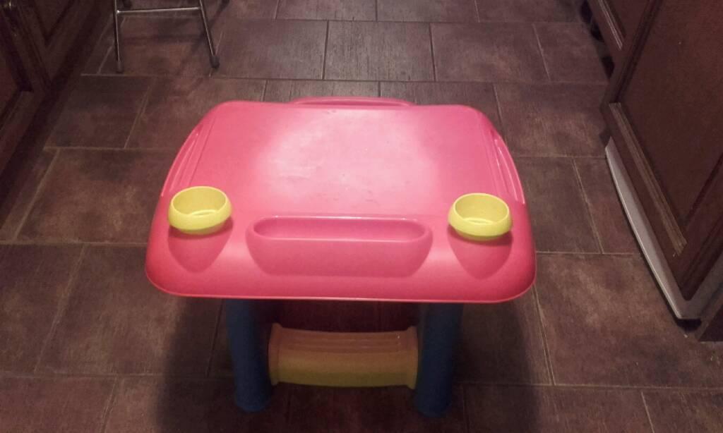 Child's plastic desk