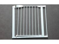 Lindam baby gate / stair gate with 7cm extension