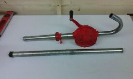 Hand operated liquid rotary pump for oil or water