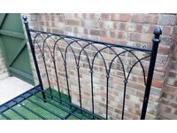 Black iron bed double size