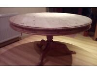 £200 ono Vintage round dining table in old pine