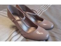 M&S Insolia caramel heels size 5