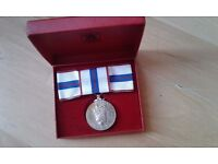 Queens Silver Jubilee 1977 genuine medal ladies bow in Royal Mint case of issue