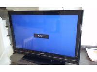 TOSHIBA 32in COLOUR TV.