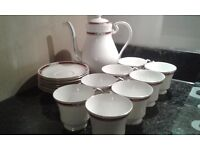 Aynsley South Pacific Coffee Pot and 8 Cups and Saucers, very good condition, as new.
