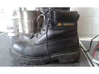 Gone pending pick up today. Mens black steel toe cap boots size 7.