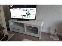 White tv unit, coffee table and unit