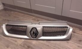 Renault Trafic Front Grill 2006 - Excellent Condition – Genuine