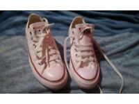 Brand new converse size 5 warn once unisex