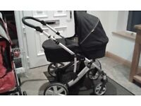 For sale Britax travel system -car seat, carry cot, pram