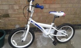 Boys bike very good condition for age 6-8yrs