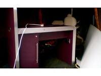 Nail Bar with Cupboard