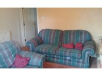 Rooms �50 and �55 PW to rent in a clean house opposite large park and near to all social amenities