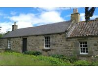 Detached 3 bed cottage in Falkland with large gardens. Available immediately