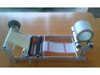 Bench manual labelling machine
