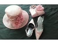 Hat, shoes & bag